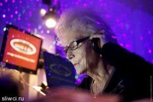 Нобелевский лауреат назвала пять простых способов замедлить старение