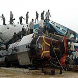 Столкновении поездов в Индии