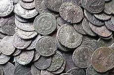 Самый крупный клад римских монет нашли в Англии