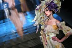 Christian Dior объявил эталоном моды образ женщины-цветка