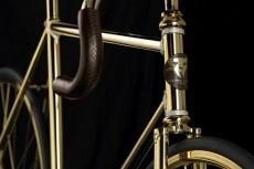 велосипед из золота с стразами Swarovski