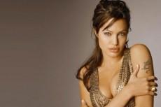 Анджелина Джоли потеряла сына в Москве