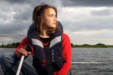 В кругосветку отправилась 14-летняя девушка