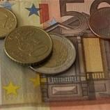 Еврозона медленно но устойчиво выбирается из кризиса