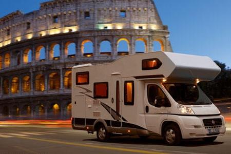 В таких автодомах могут путешествовать и ночевать до 6 человек