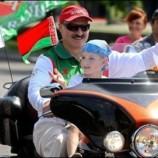 Половина белорусов считает, что власть рулит не туда