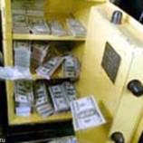 Американец нашел 26 тысяч долларов в купленном сейфе