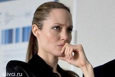 На премьеру фильма Джоли пришли 12 человек
