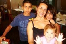 Мамочка из Австралии 4 года кормит дочь грудью