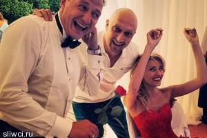 Куценко показал свадебные фото Башарова