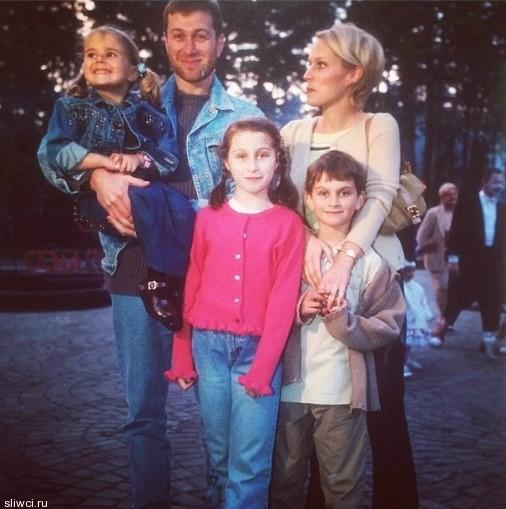 Дочь Абрамовича выложила в Сеть откровенные фото