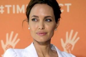Анджелина Джоли совсем не умеет готовить