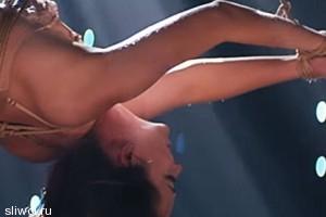 Дакота Джонсон снялась в эротическом клипе