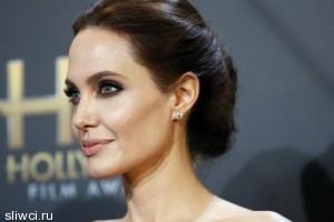 Анджелина Джоли написала статью про Ирак и Сирию