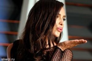 Ирина Шейк сразила публику «голым» платьем