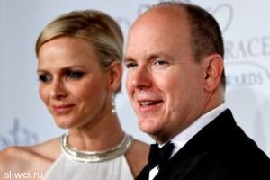 От князя Монако через 3 месяца после родов ушла жена?