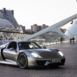 Американка купила самую дорогую модель Porsche для поездок в магазин