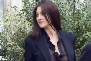 50-летняя Моника Беллуччи показала грудь