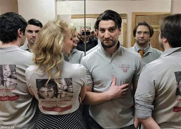 Поклонники пытаются рассекретить бойфренда Светланы Ходченковой