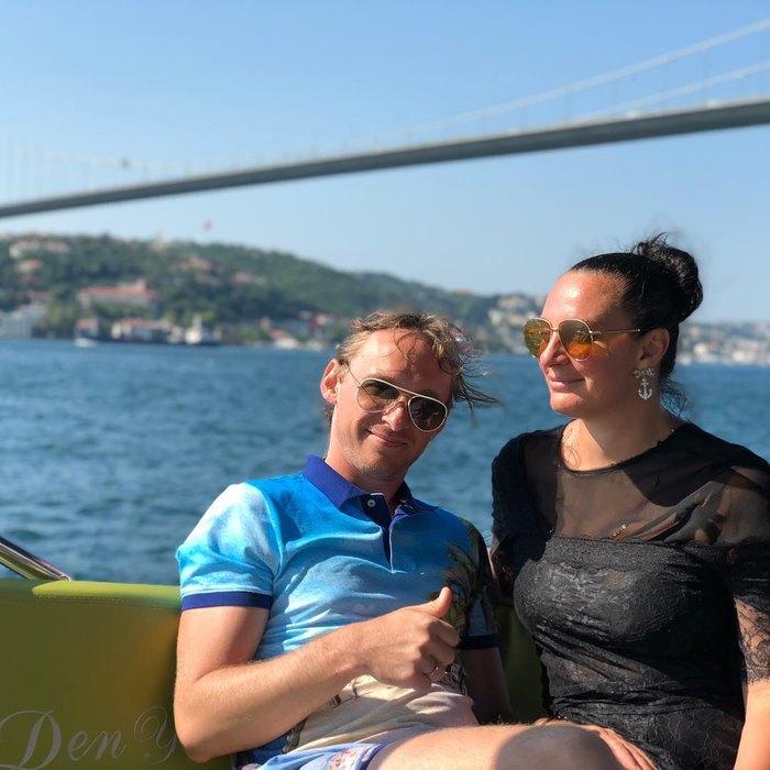 Елена Ваенга счастлива в браке с Романом Садырбаевым
